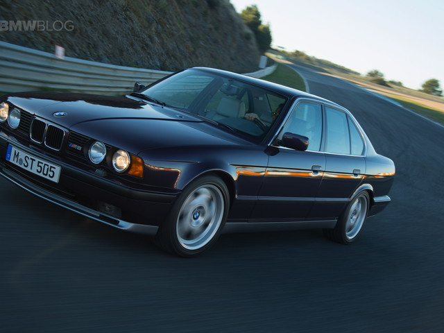 VIDEO: Doug DeMuro Checks Out the E34 BMW M5