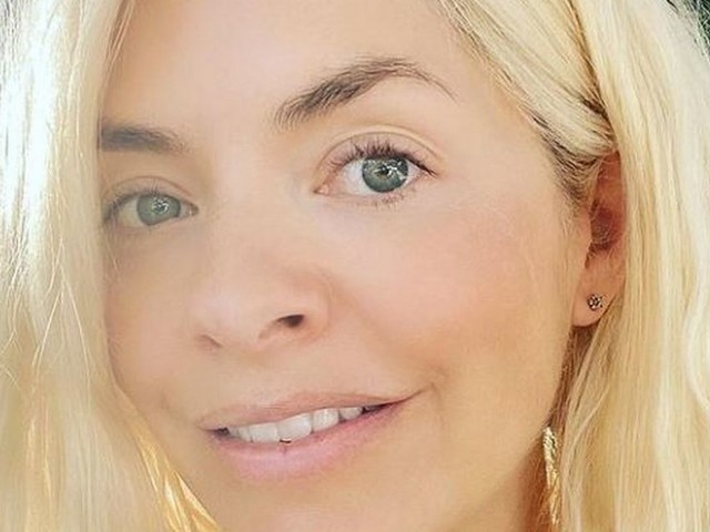 Holly Willoughby shares her morning routine with 'heavenly' selfie