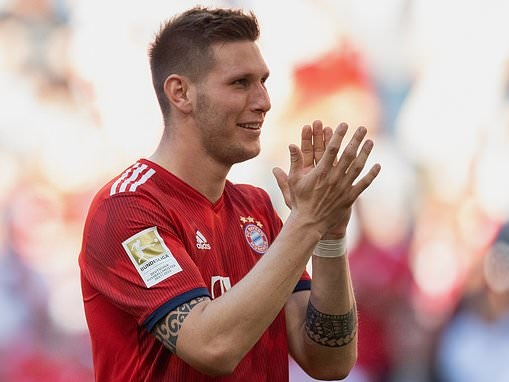 Manchester United 'make enquiry' for Bayern Munich defender Niklas Sule