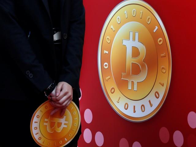 Bitcoin clears $10,000