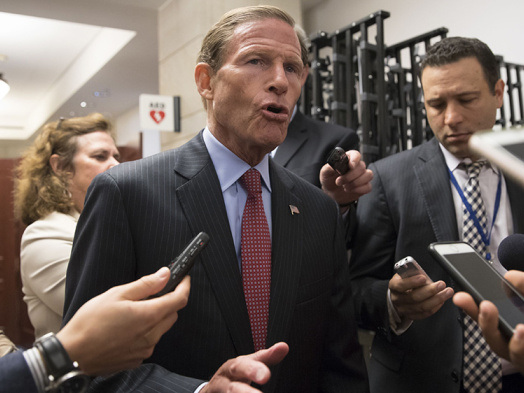 Senator Asks DOJ to Take Another Look at Comcast-NBCUniversal Merger