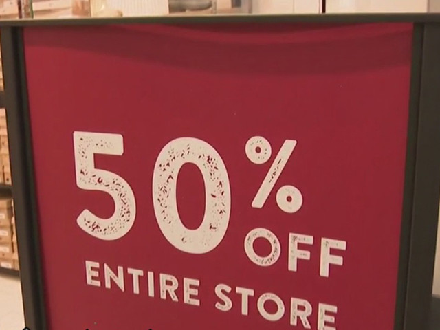 Shoppers Hit Stores On Thanksgiving To Score Black Friday Deals