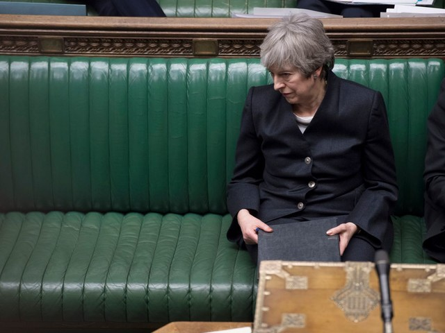 Theresa May told she has 'no chance' of passing Brexit deal in time to stop EU poll