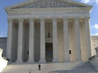 Trump eyes SCOTUS to decide income tax case
