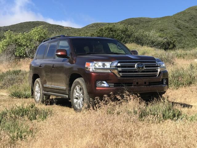 2017 Toyota Land Cruiser Review – Stranger in a Strange Land