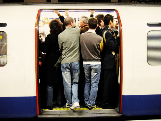 Mythical Standing Space In Middle Of Tube Carriage Proves To Be Real