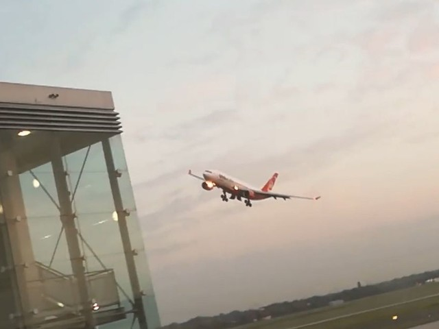 Air Berlin pilot reveals reason he performed incredibly low fly-by stunt leaving passengers terrified