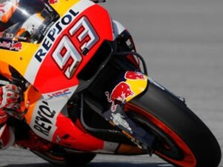 Marquez and Dovizioso go for MotoGP title in final race