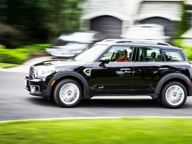 2017 Mini Cooper S Countryman ALL4 Review: Care for Some Badge Engineering, Sir Alec?