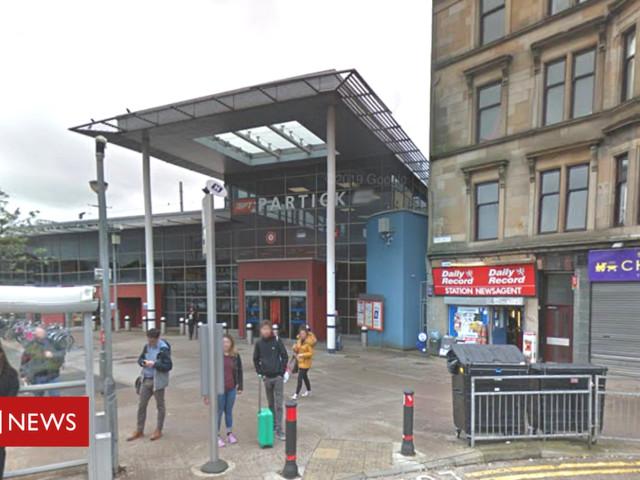 Glasgow railway station bottle attack injures four