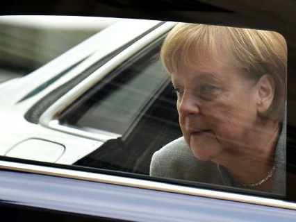 Merkel, Macron to front diplomatic push at UN climate talks