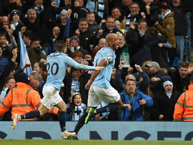 Vincent Kompany scores wonder goal - after being told not to shoot