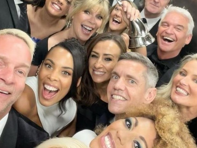 This Morning fans point out issue as stars appear in selfie together