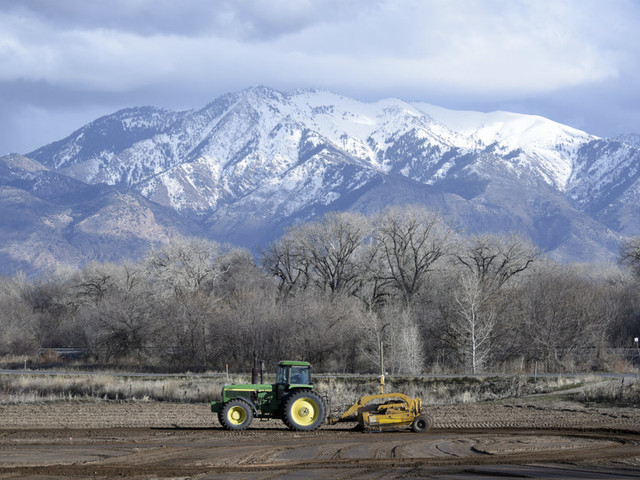 Farmers lobby for immigration reform to address labor shortages