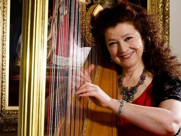 Elizabeth-Jane Baldry's harp sparkles in entertaining journey