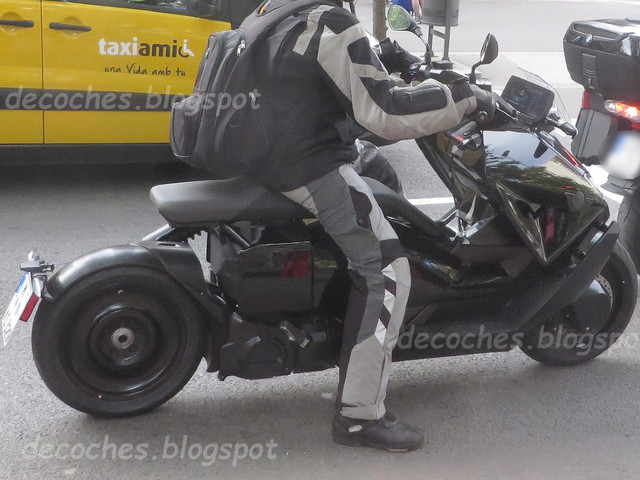 BMW CE 04 electric scooter spotted testing in production form