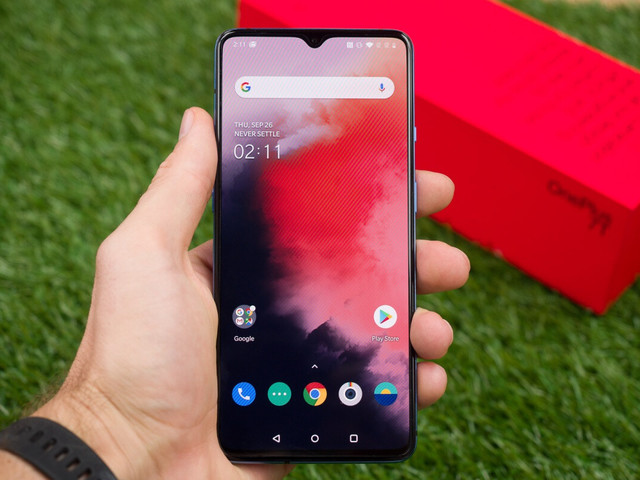 OnePlus 7T goes for Google Pixel 4a's jugular with killer new deal