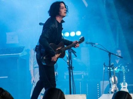 Jack White doesn't own a cell phone