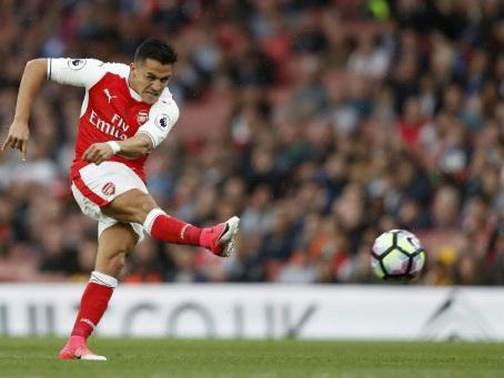 Sanchez, Coutinho on alert as deal deadline looms