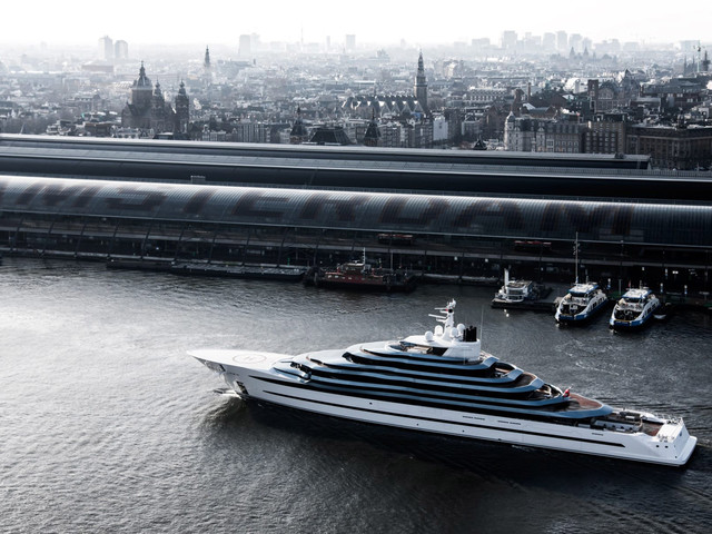 Kaos Superyacht Towers Over All Others With Size and Billionaire Amenities