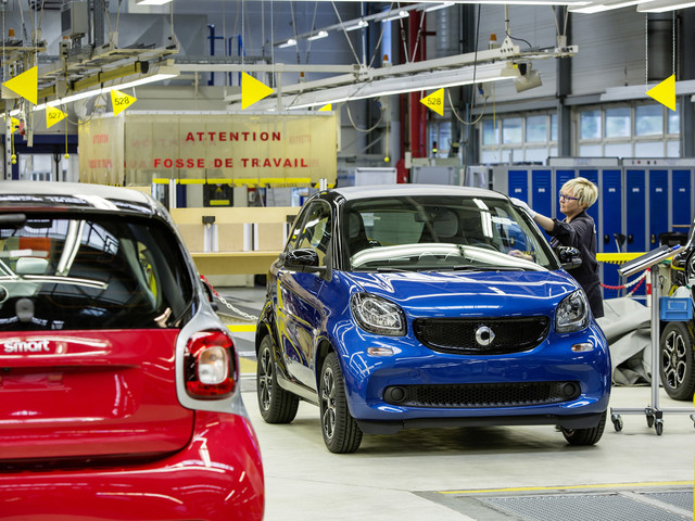 Mercedes-Benz to sell Smart factory in France