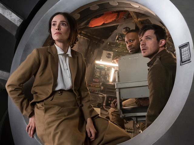The Timeless Season 2 Trailer Has a Smooch You'll Die For