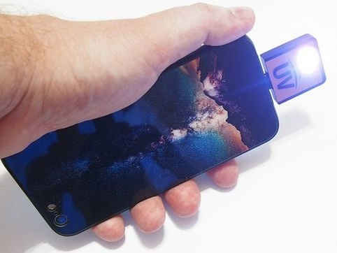 UV Light Smartphone Accessories - This Smartphone UV Flashlight Can Reveal Hidden Contaminants (TrendHunter.com)