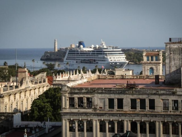 This Luxury Mall in Havana Is the PerfectMonument to Cuba's Confusing Tourism Industry