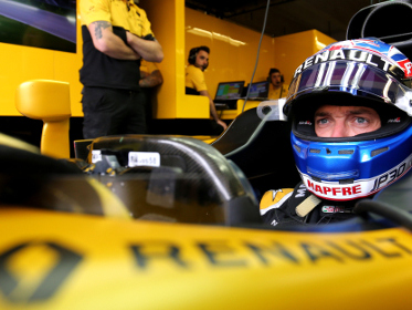Renault F1 admits Palmer's days are numbered, so who would replace him?