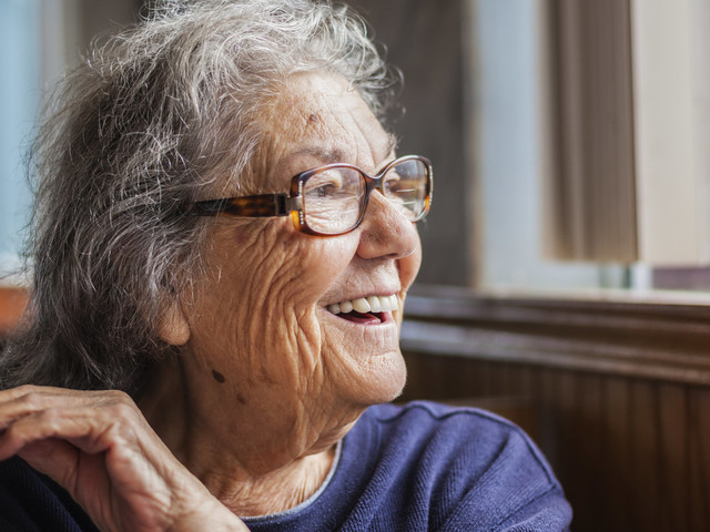 The Difference Between Dementia And Alzheimer's Disease Explained