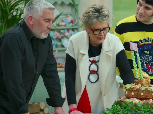 'Great British Baking Show': Paul Hollywood, Prue Leith on Why It Would Be a 'Great Mistake' to Give Up That Pesky Tent