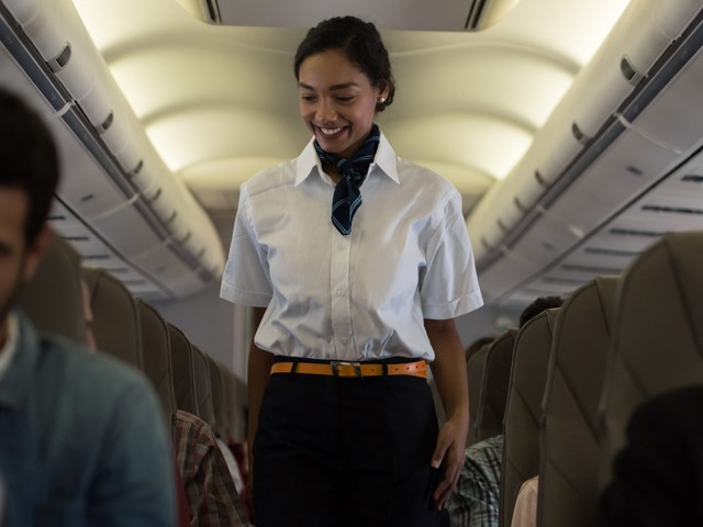 A heartwarming note a flight attendant wrote to a deaf passenger is going viral (DAL)