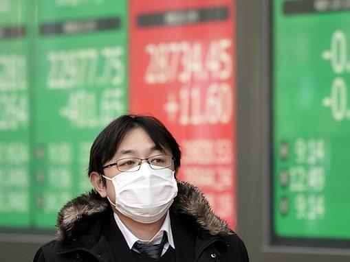 Coronavirus wipes more than £200bn off the global economy
