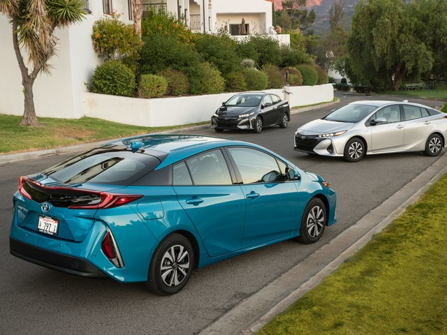 Nice Prius – Now Pay Up: Maine to Green Car Owners