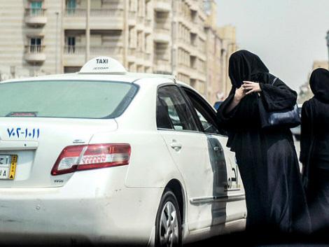 From Riyadh cafe to Twitter, Saudis hail driving ban end