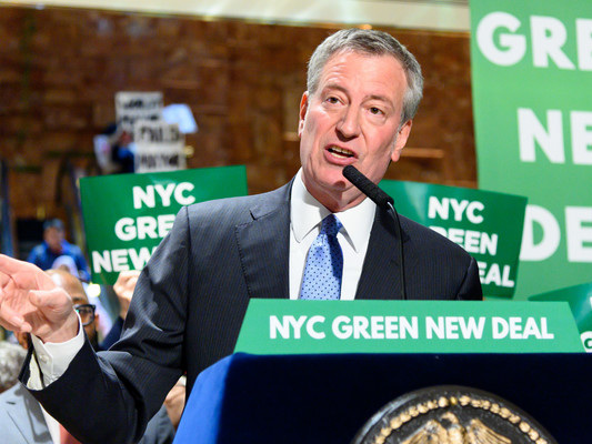 New York mayor Bill de Blasio announces bid for the White House in the 2020 elections