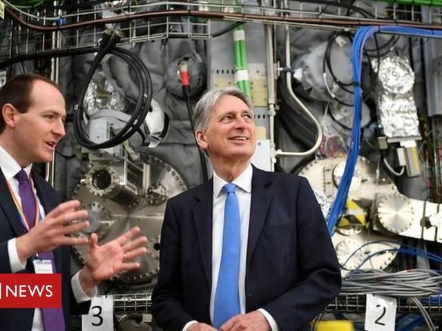 Brexit: Hammond to warn Tories over no-deal 'hijack'