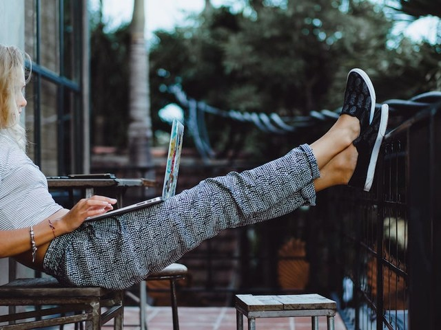 I manage a 400-person company from home. Here are 4 ways leaders can encourage their employees to take time off this summer, and how it will strengthen their business.