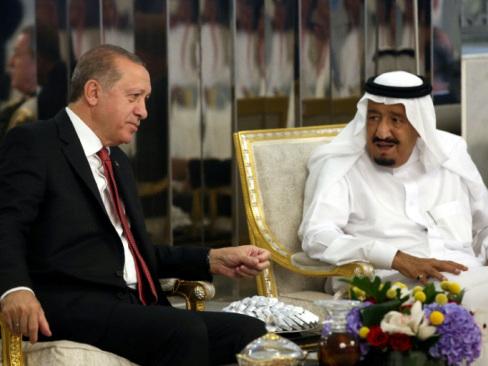Erdogan in the Gulf seeking to ease Qatar crisis