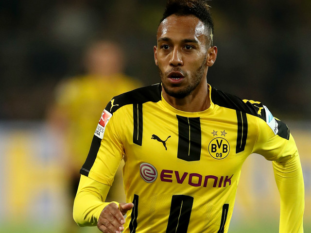 Man City strike first with club-record bid for Aubameyang