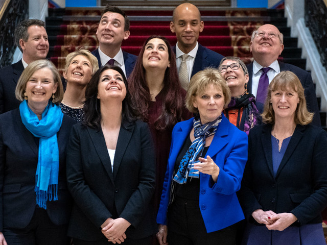 What happens if Theresa May loses her Commons majority?