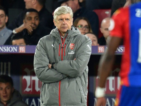 Wenger in Wembley spotlight as Arsenal face City test