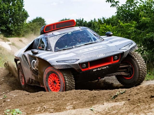 Audi reveals RS Q e-tron electrified racer for Dakar 2022