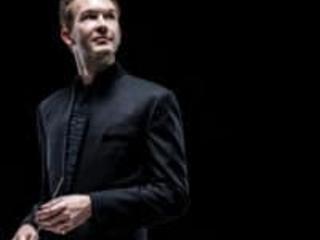 Orchestra cuts short British conductor