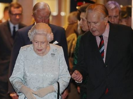 Queen meets Bletchley Park veteran at Women's Royal Naval Service event