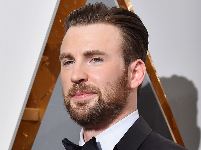 Chris Evans Plays Piano, Immediately Trends on Twitter for His Talent