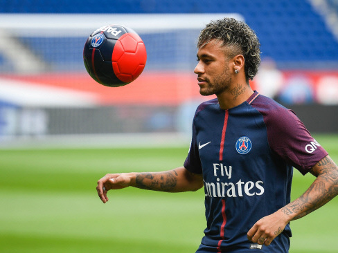 Neymar braced for PSG debut and French culture shock