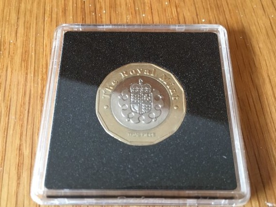 The £1 coin that could be worth nearly a grand