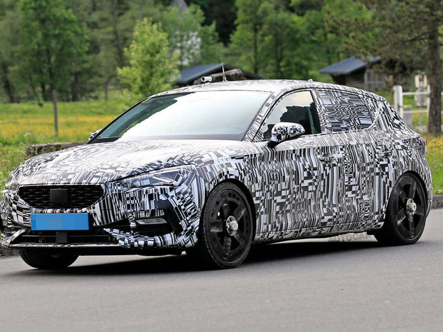 Cupra to top new Leon line-up with 241bhp PHEV