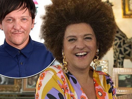 Chris Lilley reveals he stays off social media after release of his new show Lunatics